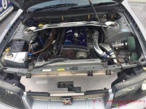 blick-unter-die-motorhaube